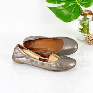Lucky Brand Emmie Flats in Pewter Metallic Leather
